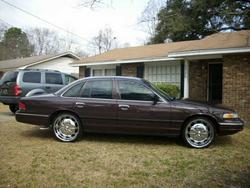 Juicy843s 1997 Ford Crown Victoria