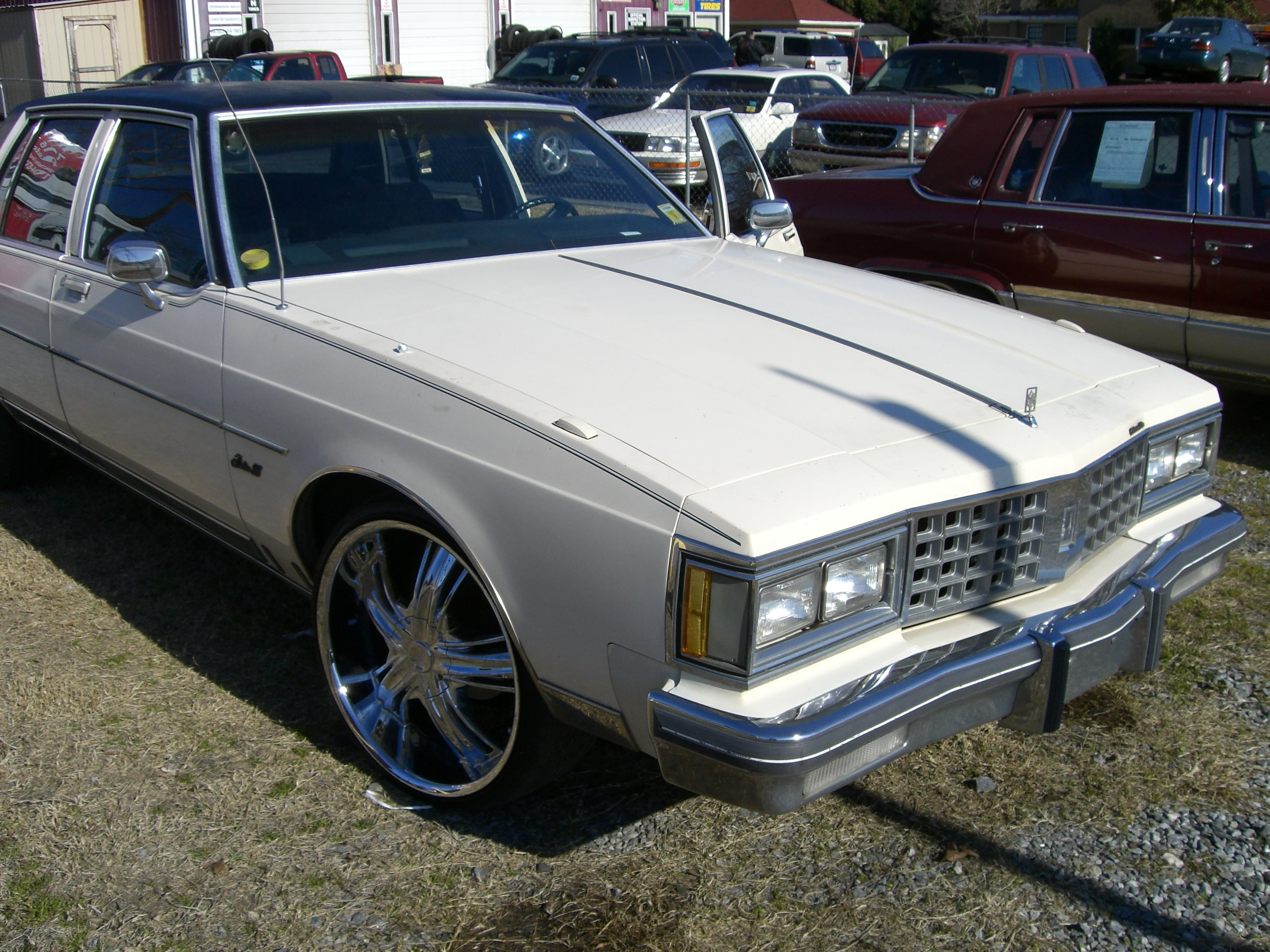 716auto 1985 oldsmobile delta 88 specs photos modification info at cardomain. Black Bedroom Furniture Sets. Home Design Ideas