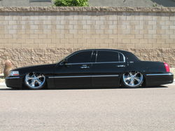 townlows 2003 Lincoln Town Car