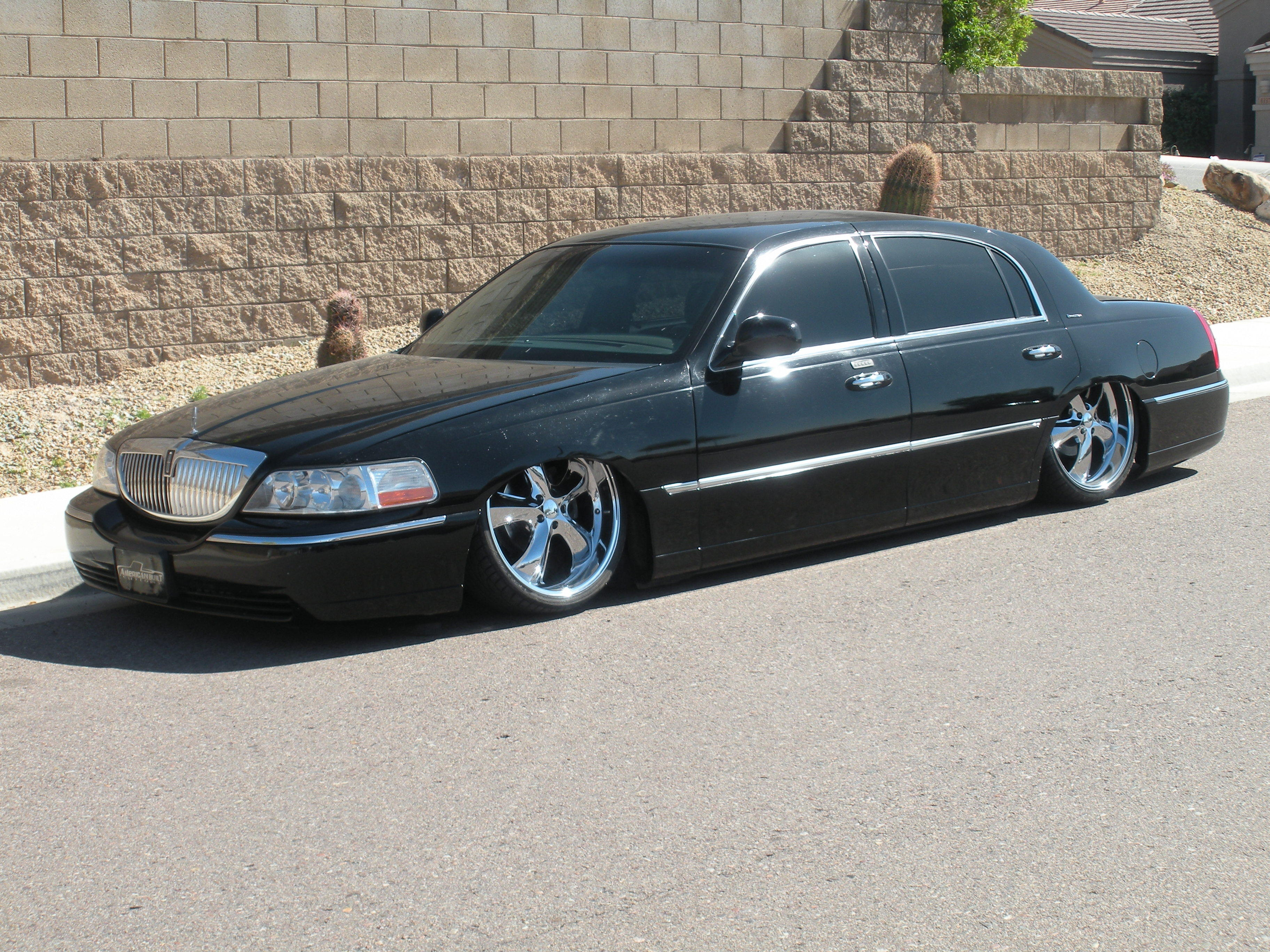 townlow 2003 lincoln town car specs photos modification info at cardomain. Black Bedroom Furniture Sets. Home Design Ideas