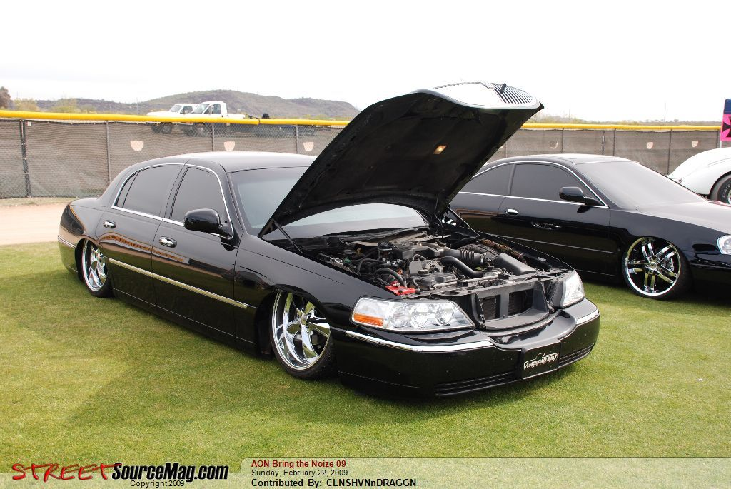 Another townlow 2003 Lincoln Town Car post... - 12753188