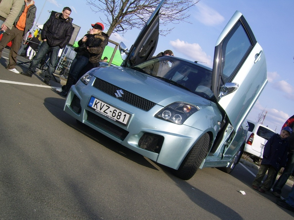 fakukac 2007 Suzuki Swift 12755869