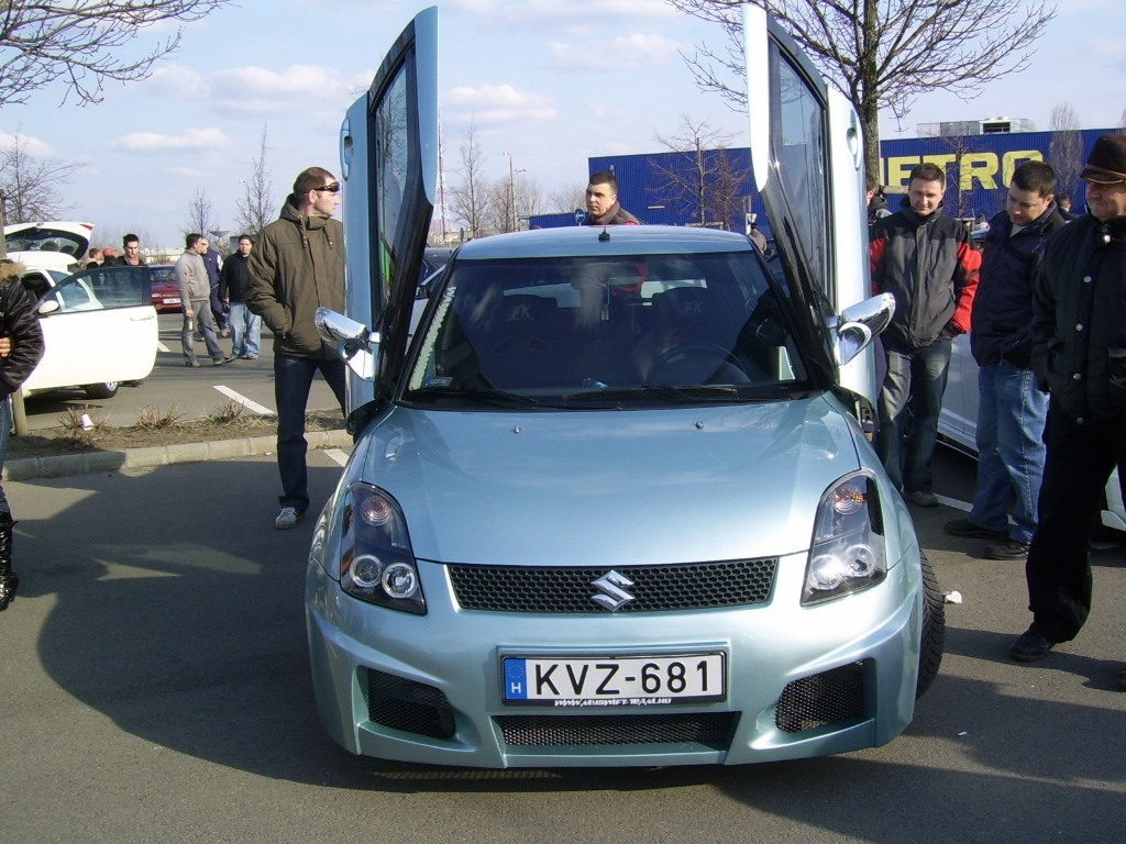 fakukac 2007 Suzuki Swift 12755870