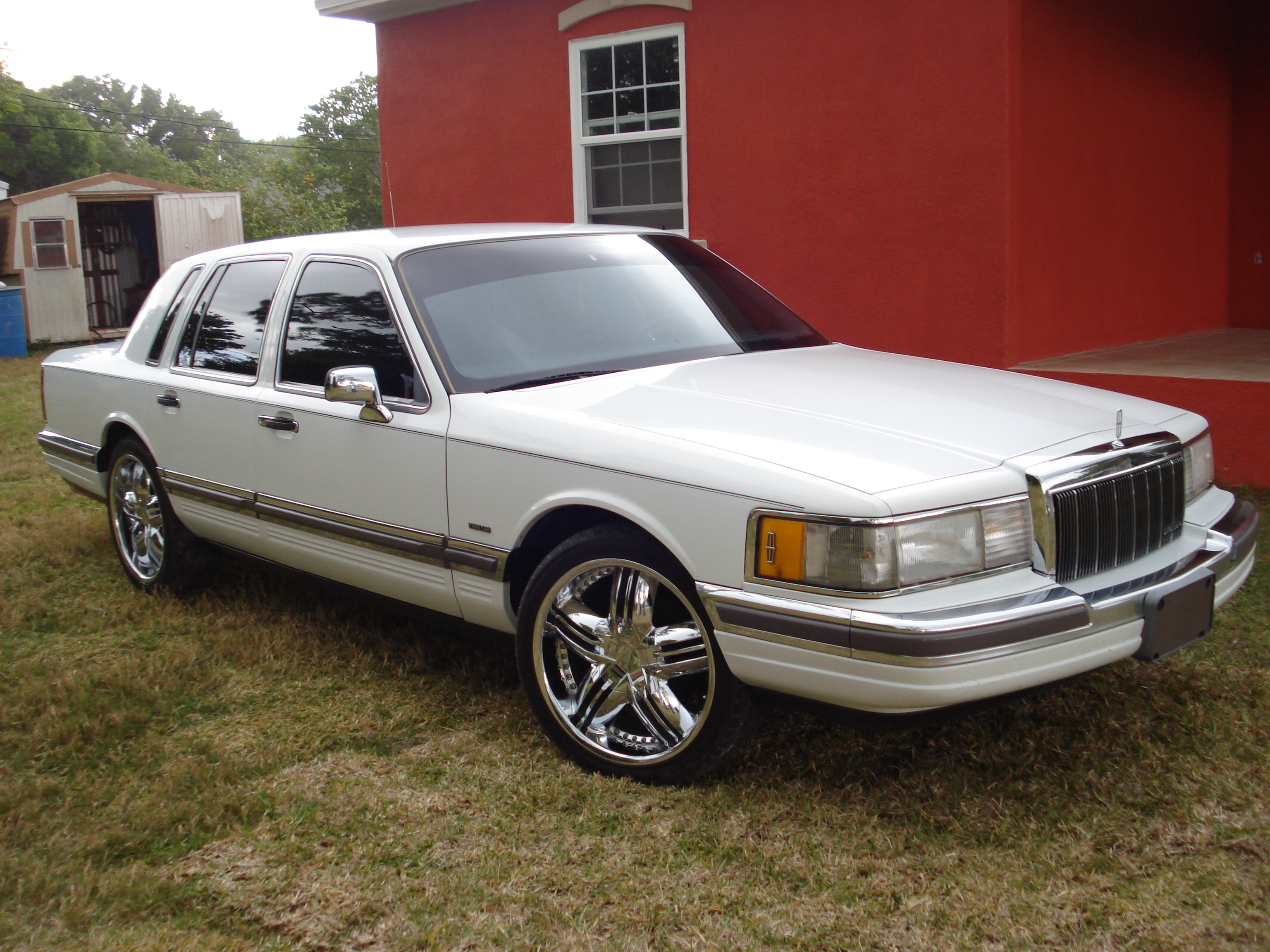 Joeslincoln 1990 Lincoln Town Car Specs  Photos