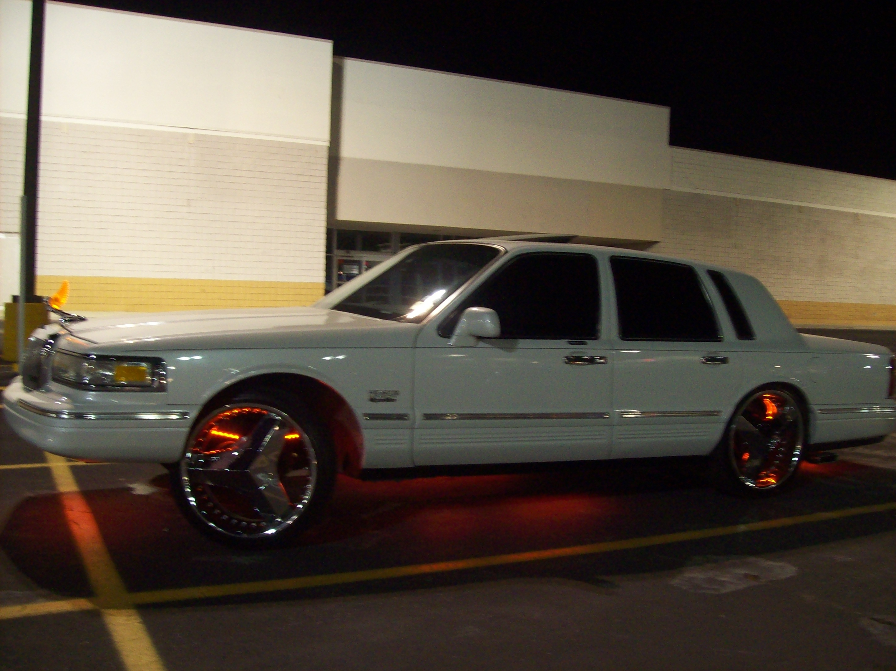 Chicanogambino 1997 Lincoln Town Car Specs Photos Modification