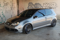 CLIDEs 2008 Volkswagen R32