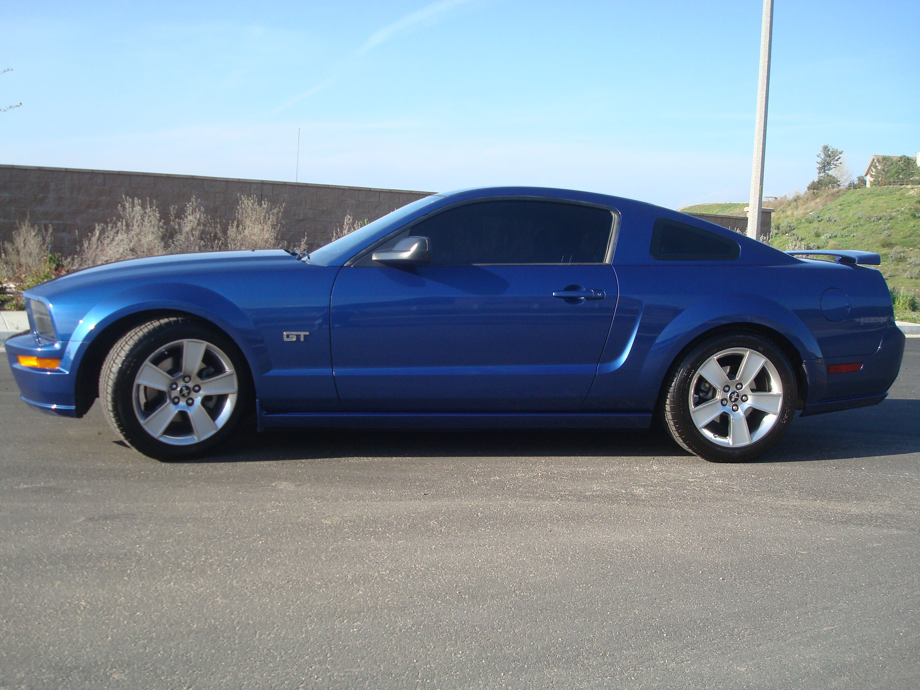 Mikestang06 2006 Ford Mustang 12768764
