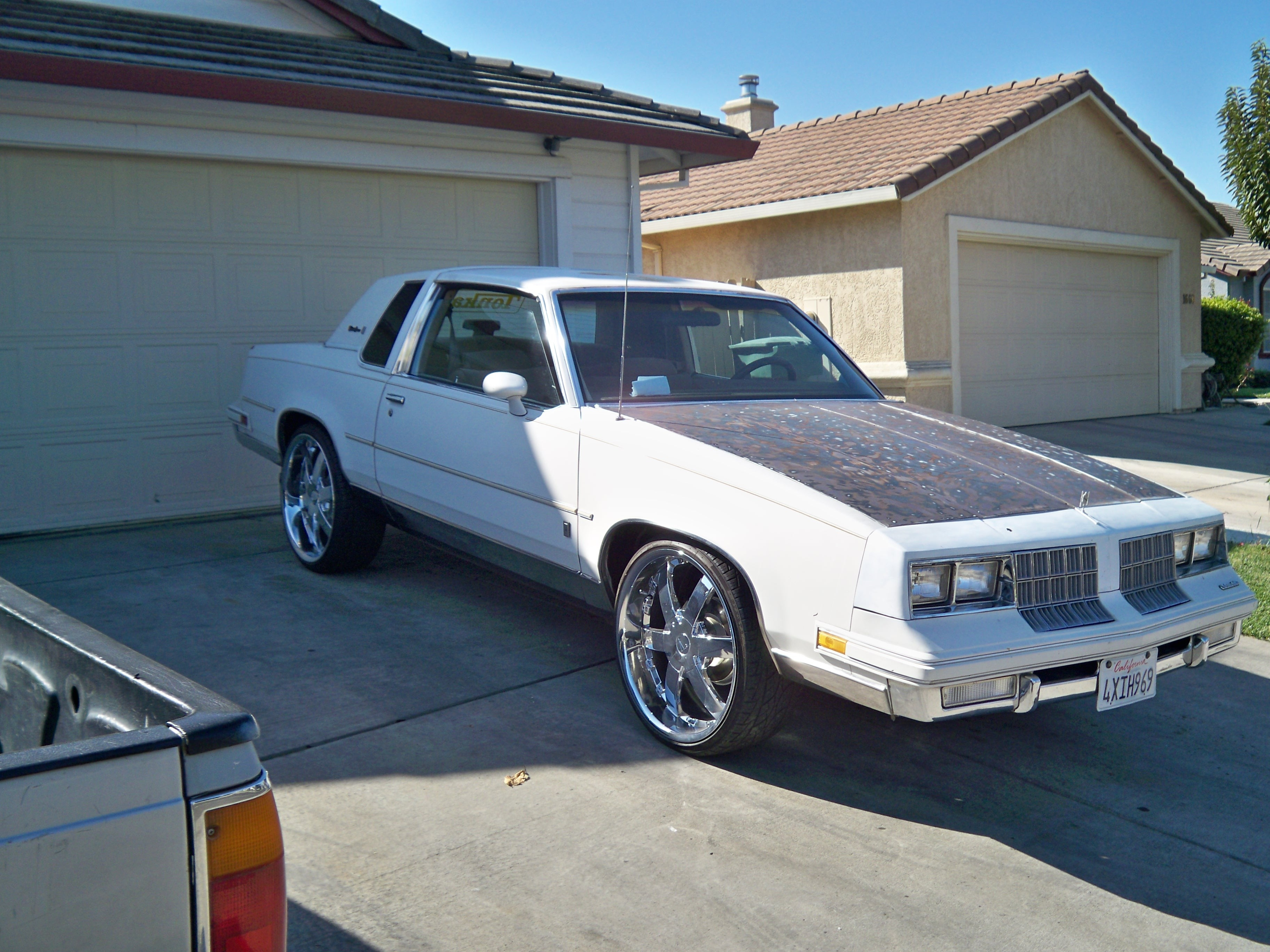 fugisolo's 1986 Oldsmobile Cutlass Supreme