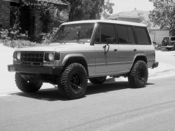 Hunter-Breed 1990 Mitsubishi Montero