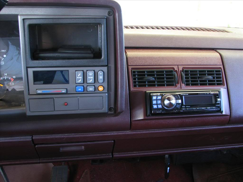 Opel Blazer 1996 Instrument Fuse Boxblock Circuit Breaker Diagram likewise 4b91h Changed Radio 1998 Chevy S 10 When Think besides Wire Harness Chevy 1994 C1500 also 2003 Gmc Sonoma Under Dash Fuse Box Diagram also 1994 Chevy Z71 Fuse Box. on 1993 chevy suburban radio