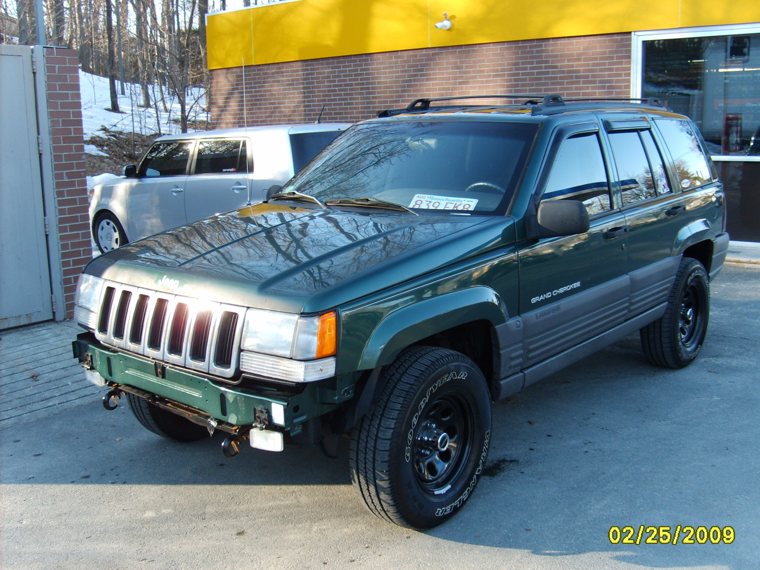 indredsnake99 1997 jeep grand cherokee specs photos modification info at cardomain. Black Bedroom Furniture Sets. Home Design Ideas