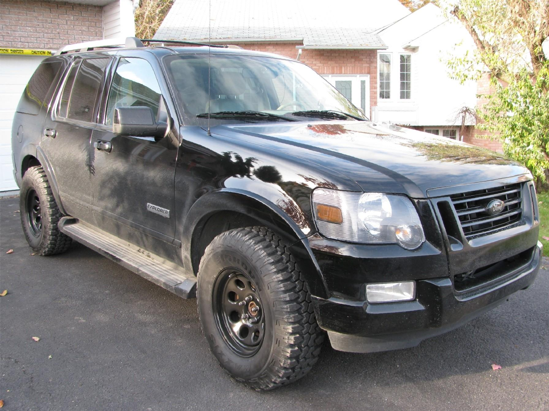 BeachbuckY's 2006 Ford Explorer