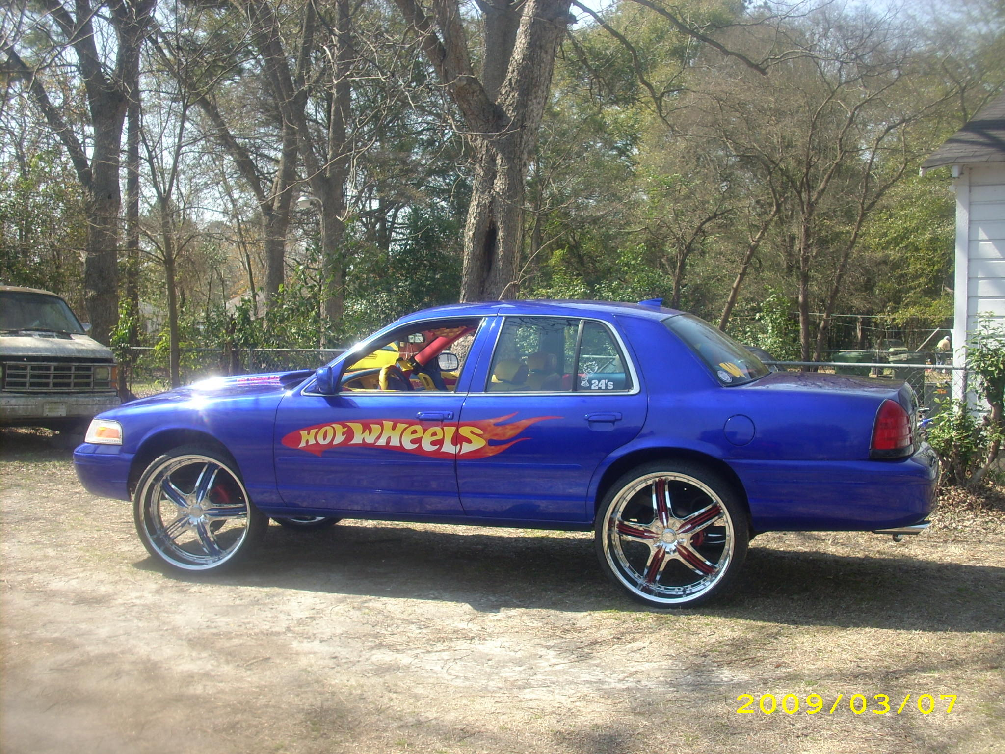 SICKVICK7 2001 Ford Crown Victoria
