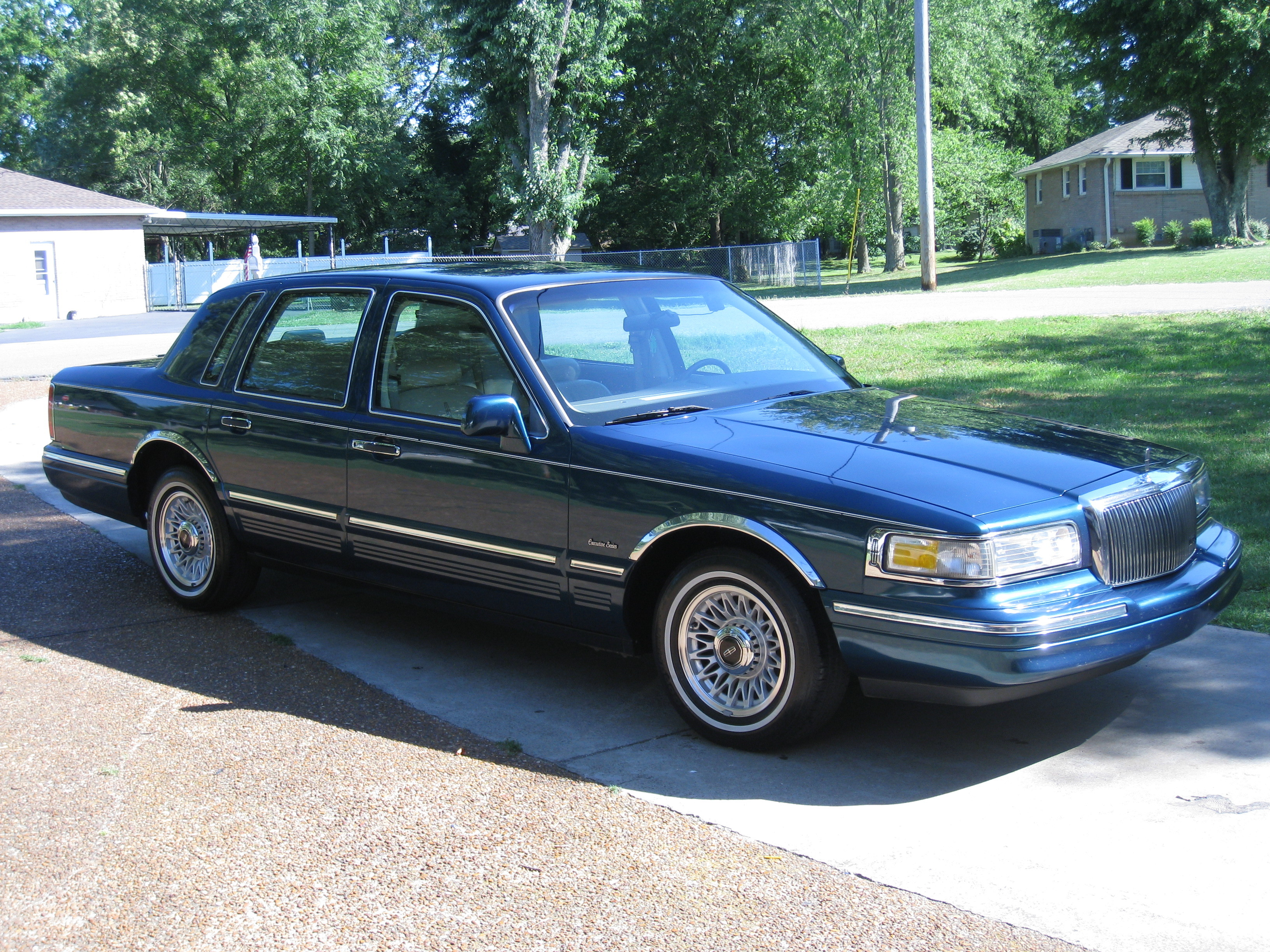 90lincolntc 1997 Lincoln Town Car Specs Photos Modification Info Wiring Diagram For 32820470013 Original 32820470014