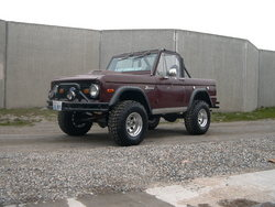 Chuped 1973 Ford Bronco