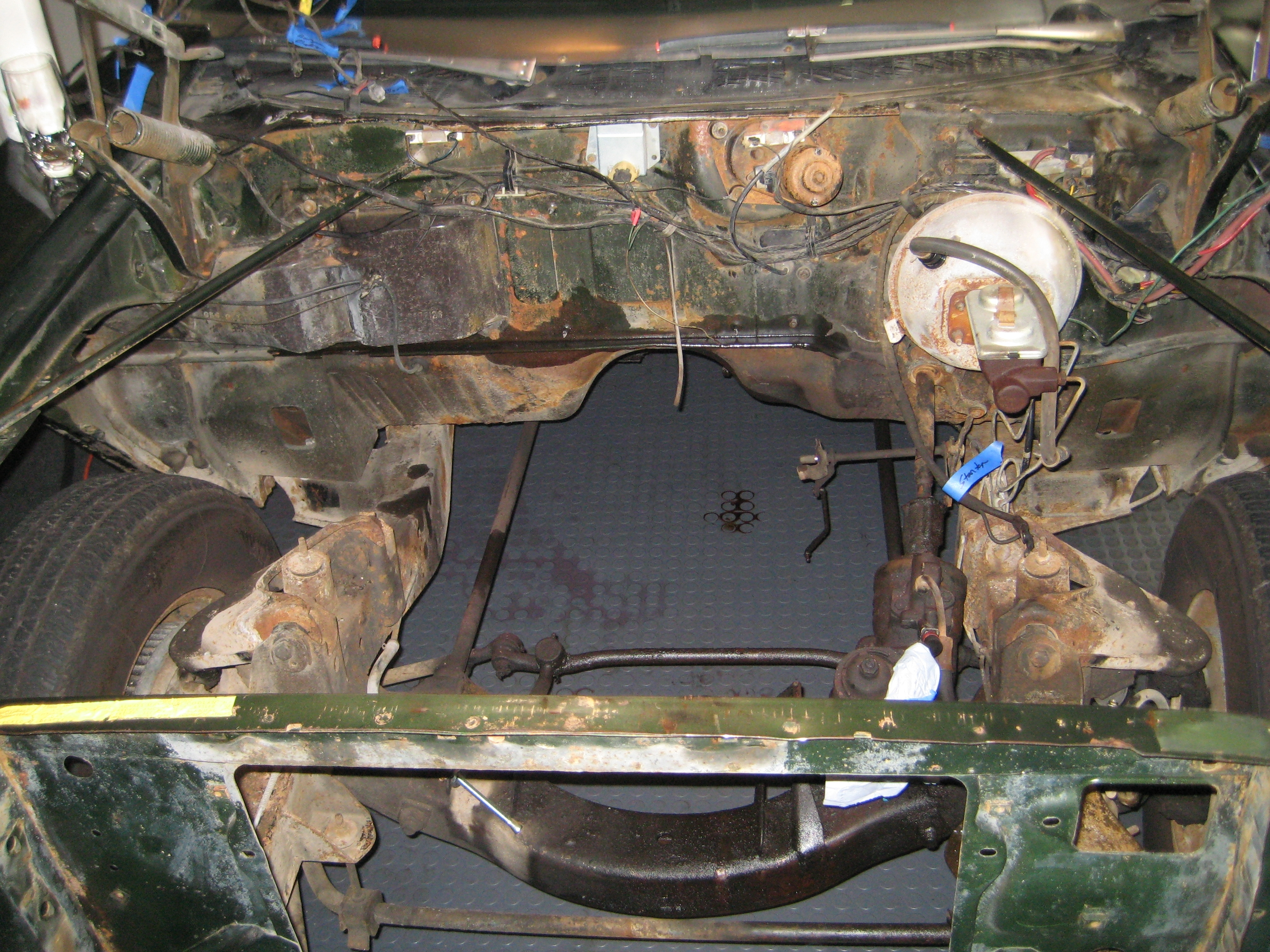Another njred 1970 Chrysler Newport post... - 12794940