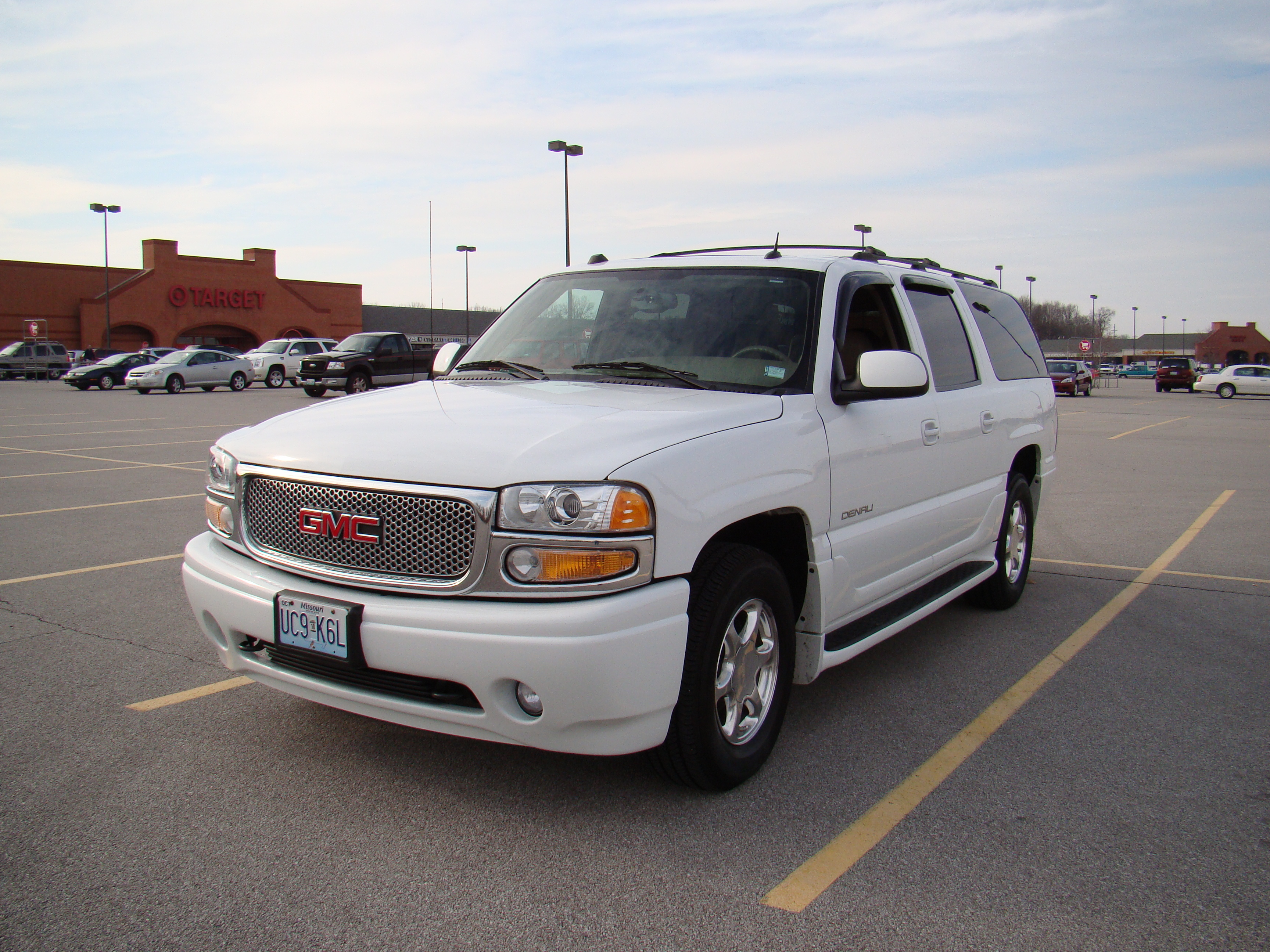 hmeracing 2004 gmc yukon denali specs photos. Black Bedroom Furniture Sets. Home Design Ideas