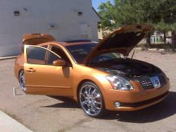 tripple--sliceds 2004 Nissan Maxima