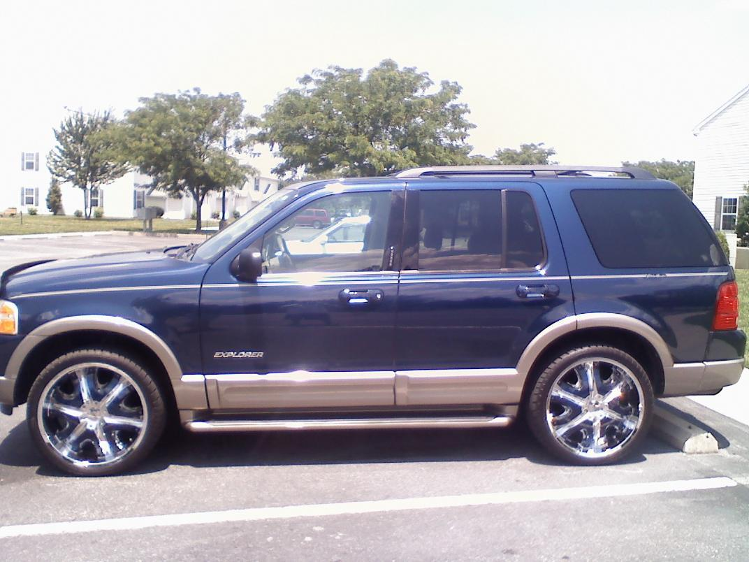 Angelcutty's 2004 Ford Explorer