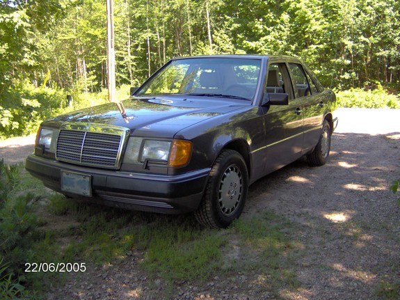 Another burnt_cookies 1992 Mercedes-Benz 300E post... - 15550651