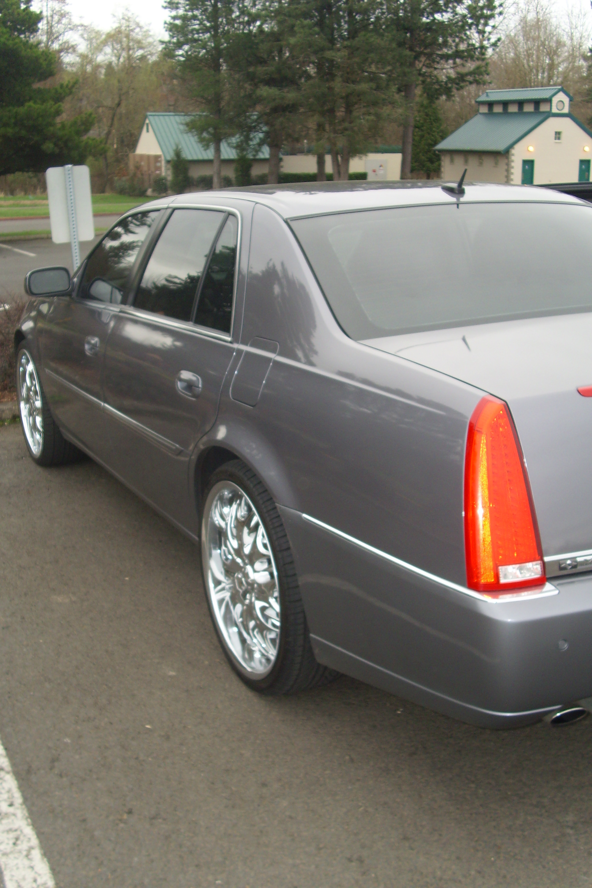 GORILLAKUTTY's 2007 Cadillac DTS