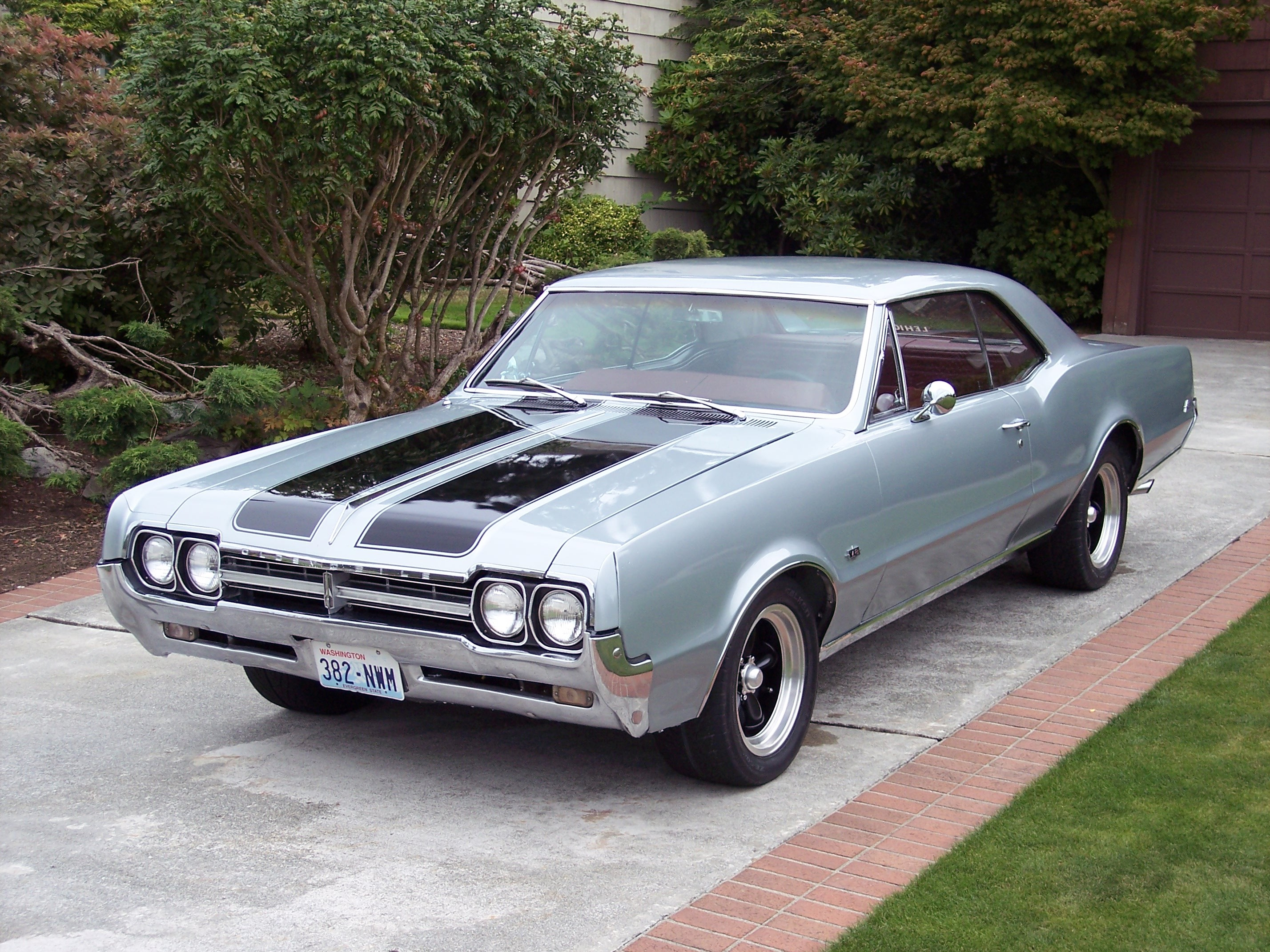 66Olds's 1966 Oldsmobile F-85