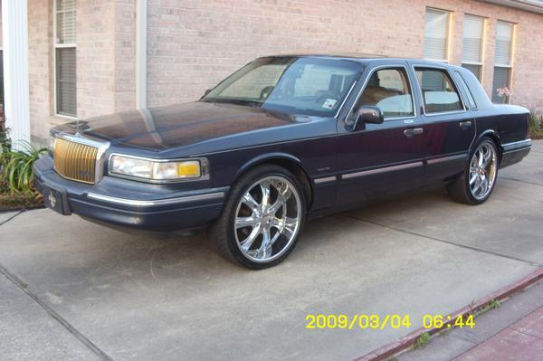 Jusblaise38 1997 Lincoln Town Car Specs Photos Modification Info