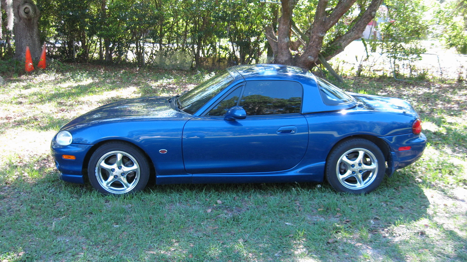 ganzibye 39 s 1999 mazda miata mx 5 page 3 in central fl. Black Bedroom Furniture Sets. Home Design Ideas