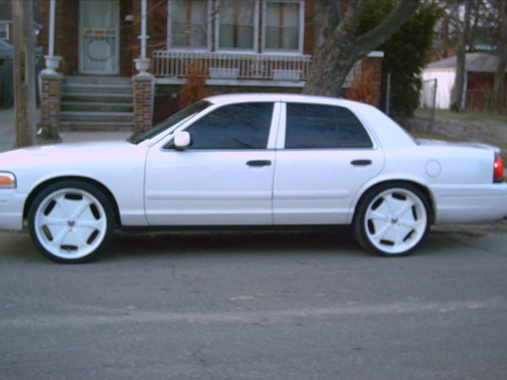 112769 2000 Ford Crown Victoria Specs, Photos, Modification Info ...
