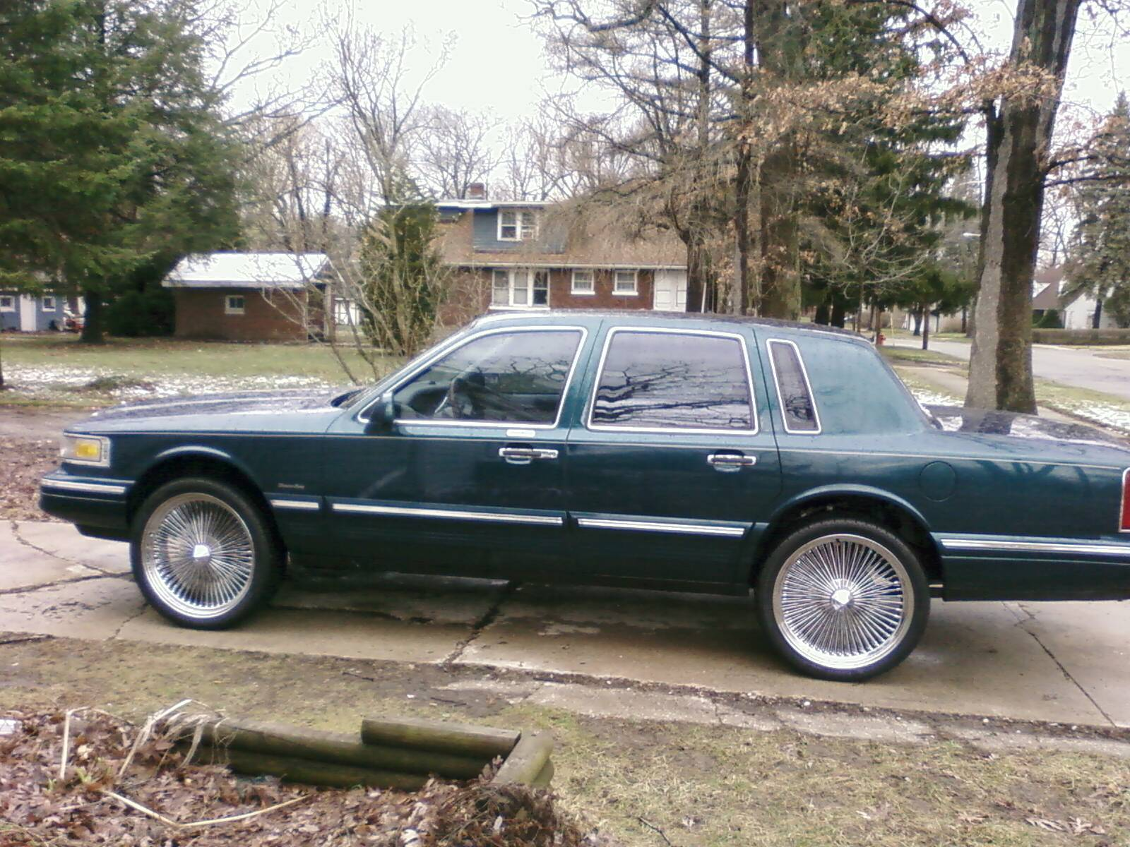 1997 Lincoln Town Car On 24s
