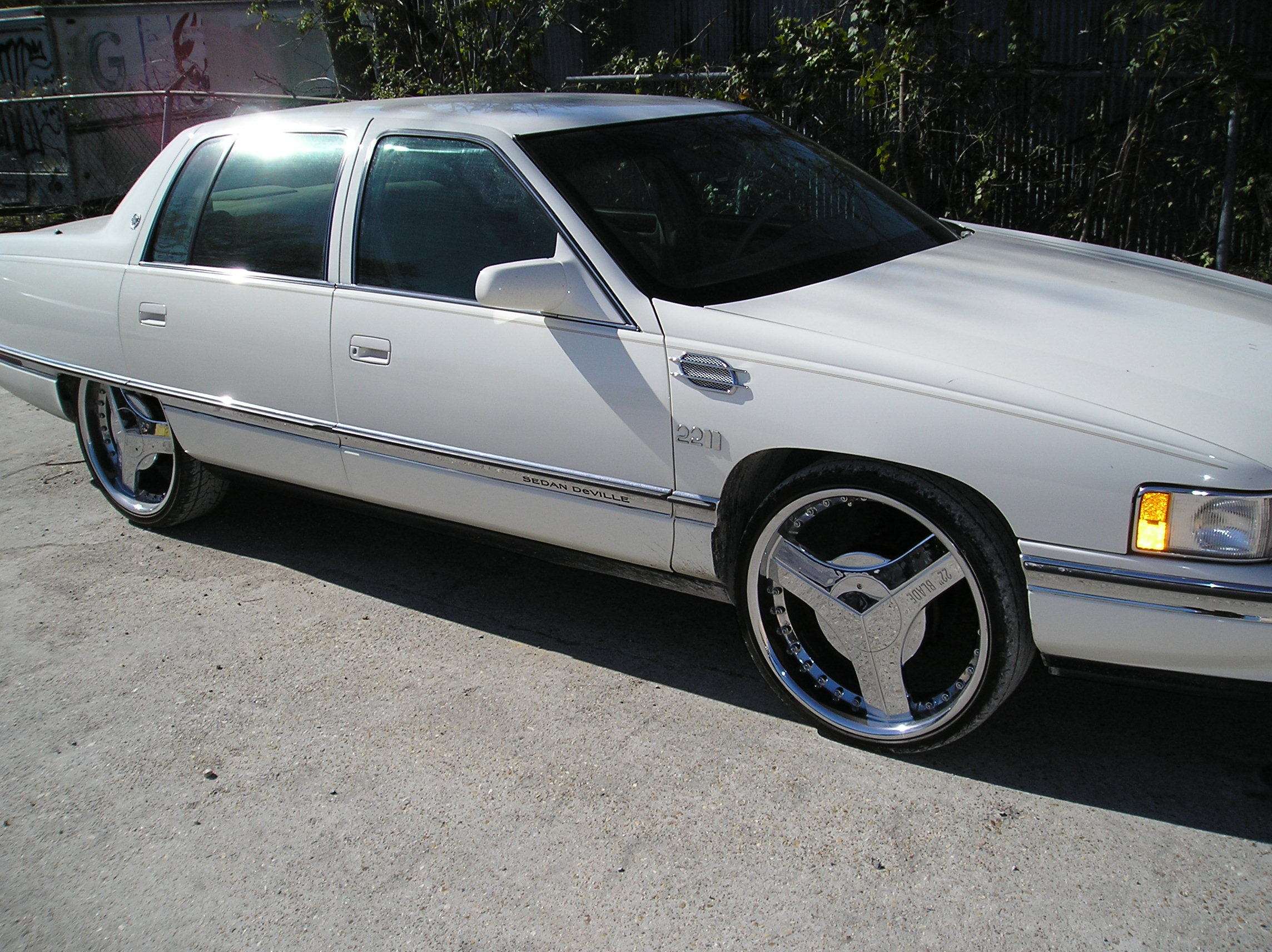 jigacityboss1 39 s 1996 cadillac deville in baton rouge la. Black Bedroom Furniture Sets. Home Design Ideas