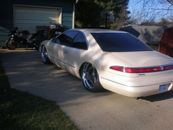 517SLANGN 1995 Lincoln Mark VIII