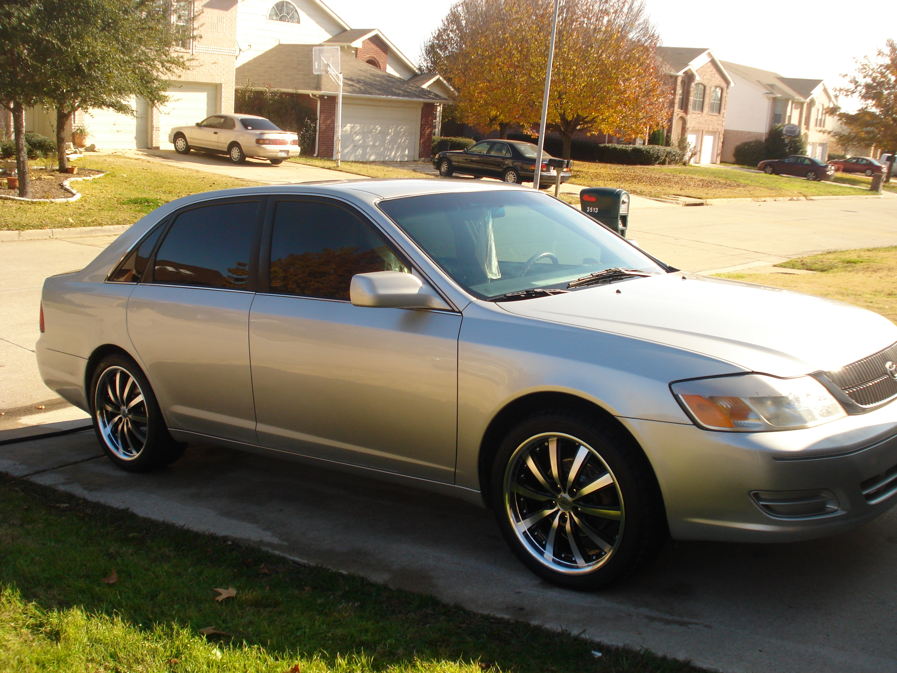 olskoolchevys 2000 toyota avalon 39 s photo gallery at cardomain. Black Bedroom Furniture Sets. Home Design Ideas