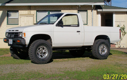 Stretch83 1990 Nissan D21 Pick-Up