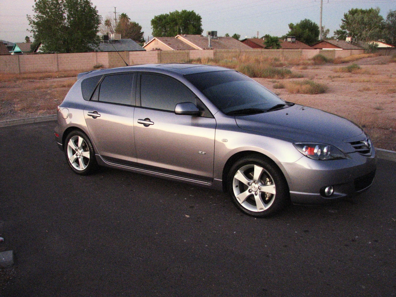 u nv me 39 s 2004 mazda mazda3 in glendale az. Black Bedroom Furniture Sets. Home Design Ideas