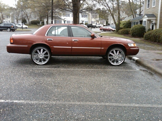 Another c504holla 2001 Mercury Grand Marquis post... - 12893487