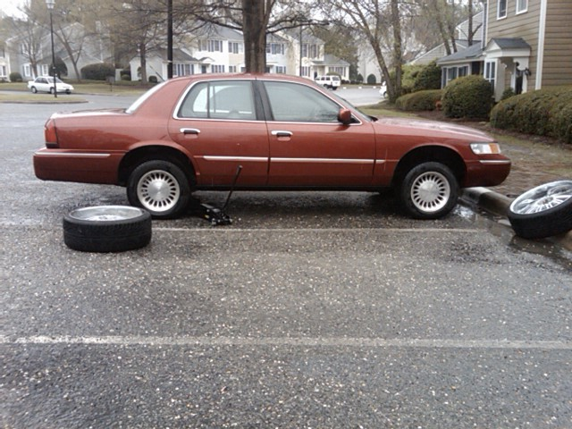 Another c504holla 2001 Mercury Grand Marquis post... - 12893493