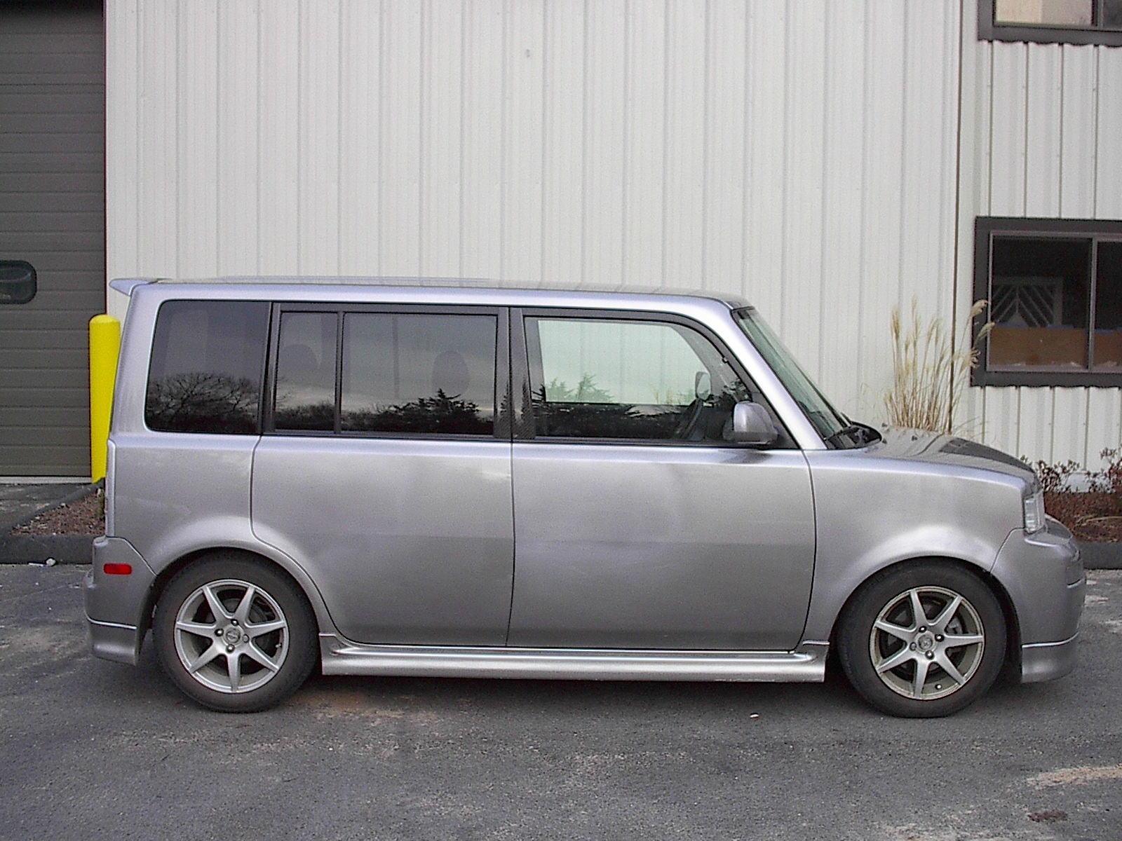 shvdbx 2004 Scion xB 12894970