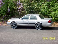 hustleman74 2002 Ford Crown Victoria