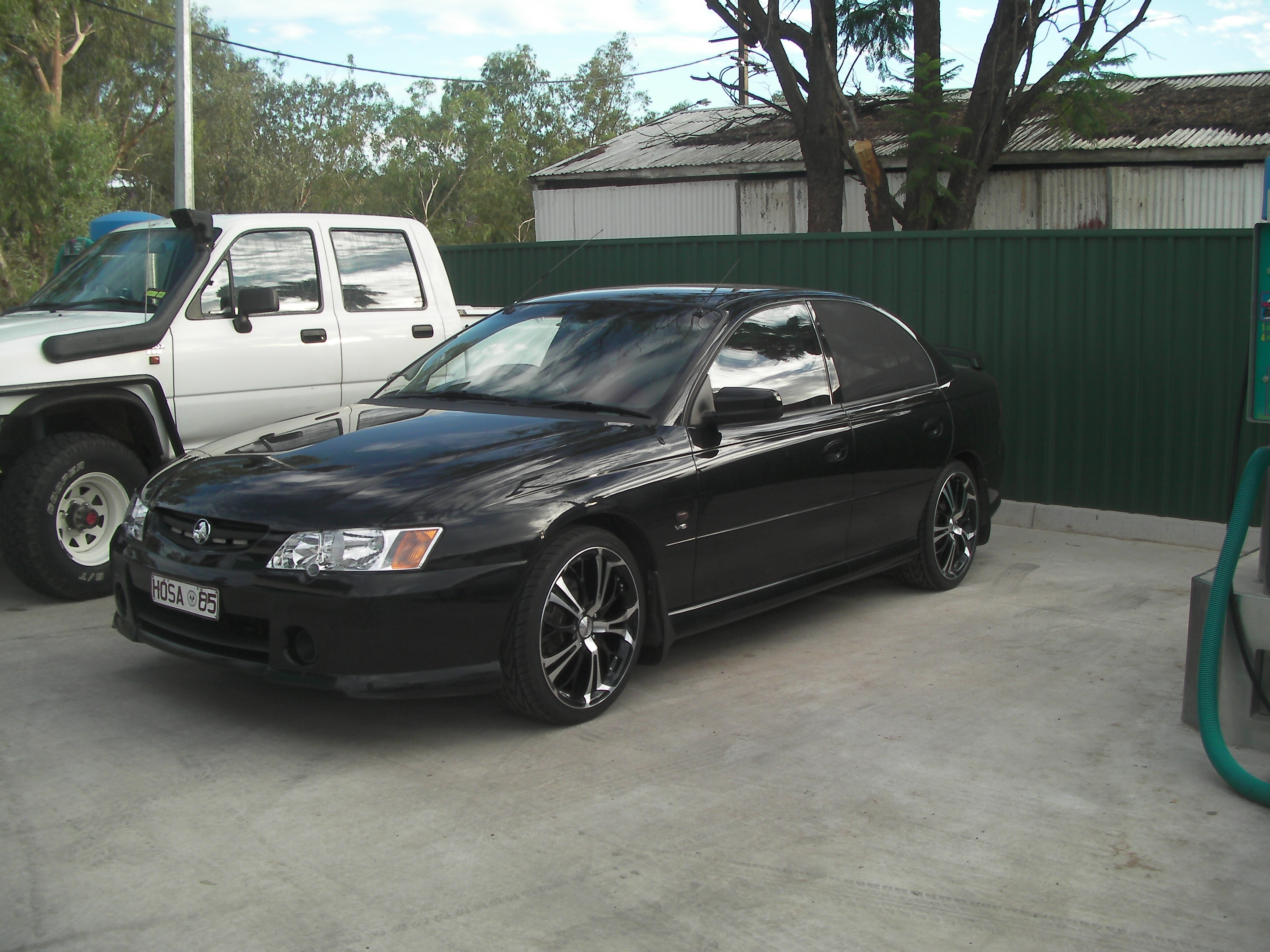 Another hosa85 2004 Holden Commodore post... - 9681955