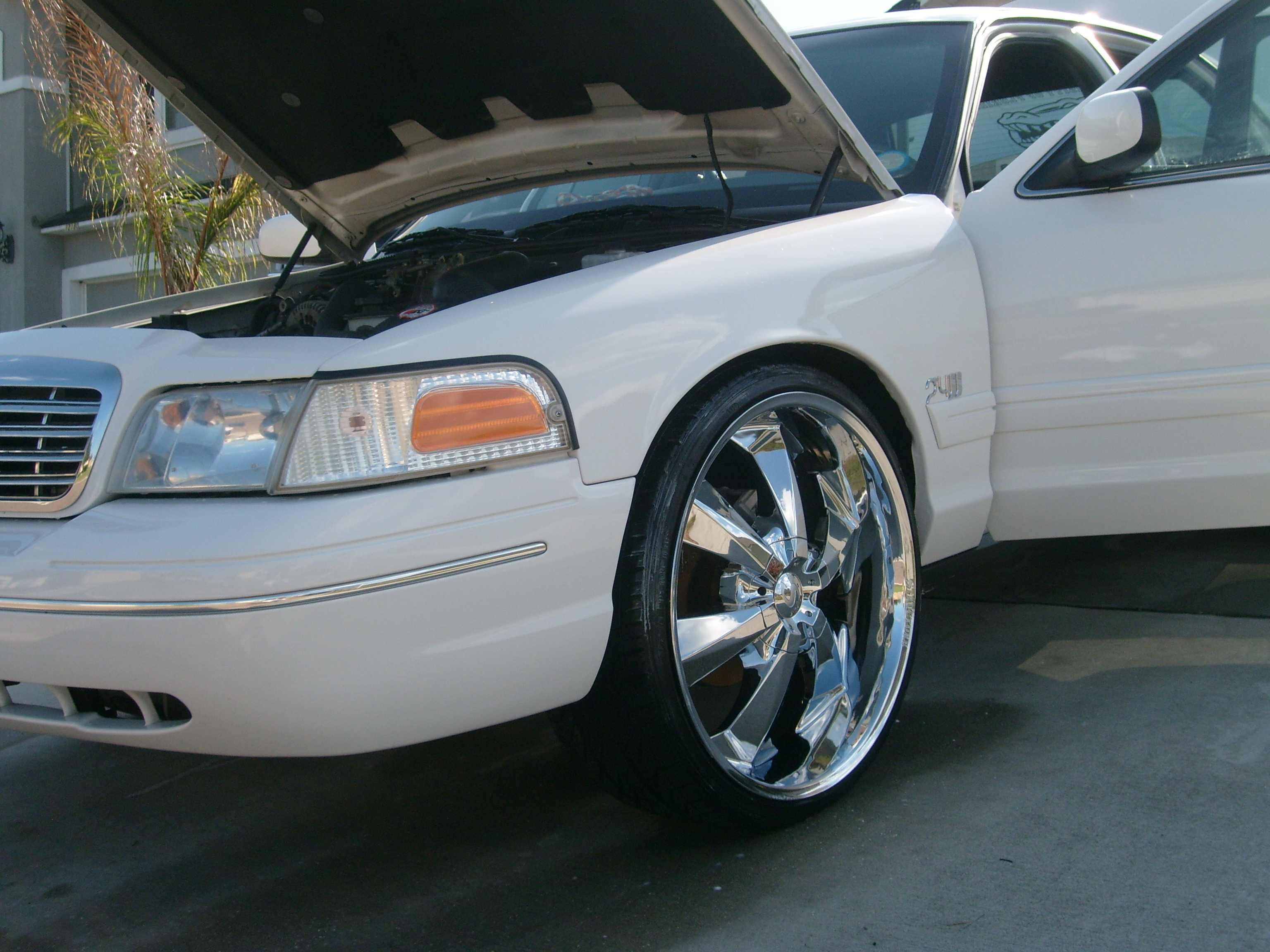 Another Famousboy22 2001 Ford Crown Victoria post... - 12919073