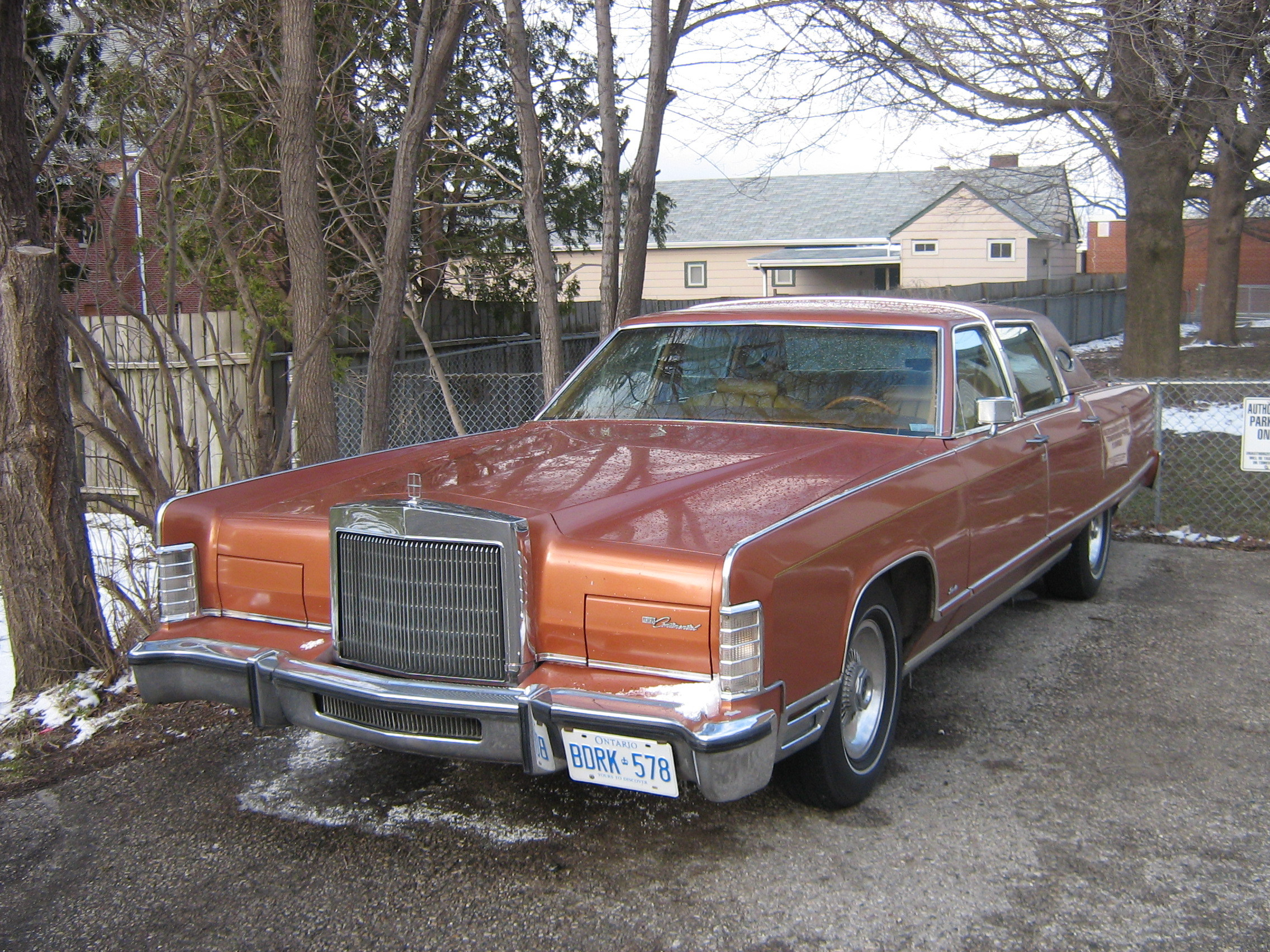 One_Fast_Omni 1977 Lincoln Continental 12919888