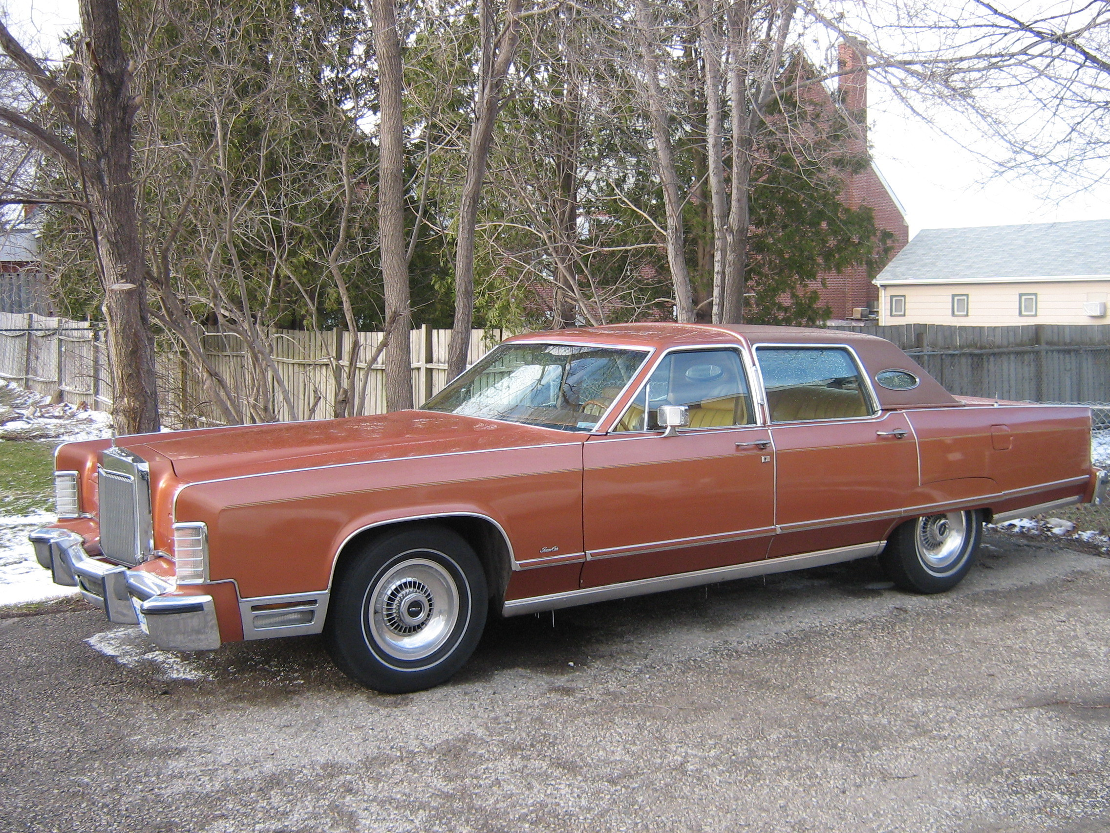 One_Fast_Omni 1977 Lincoln Continental 12919889