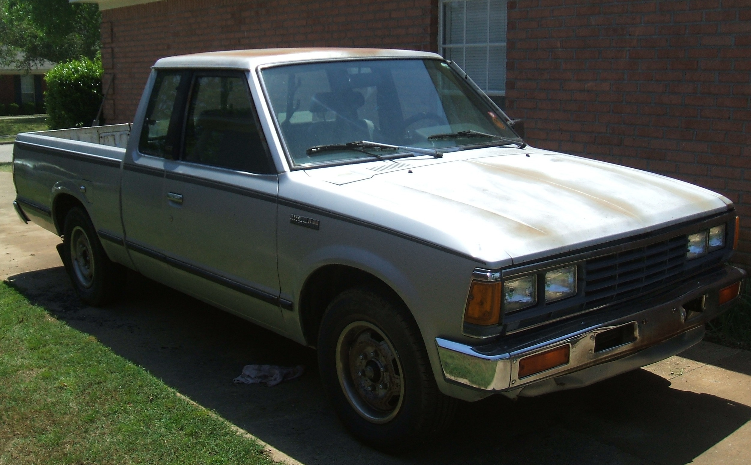 drvwycstm's 1985 Nissan 720 Pick-Up