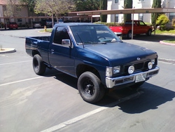 kid200sxs 1987 Nissan D21 Pick-Up