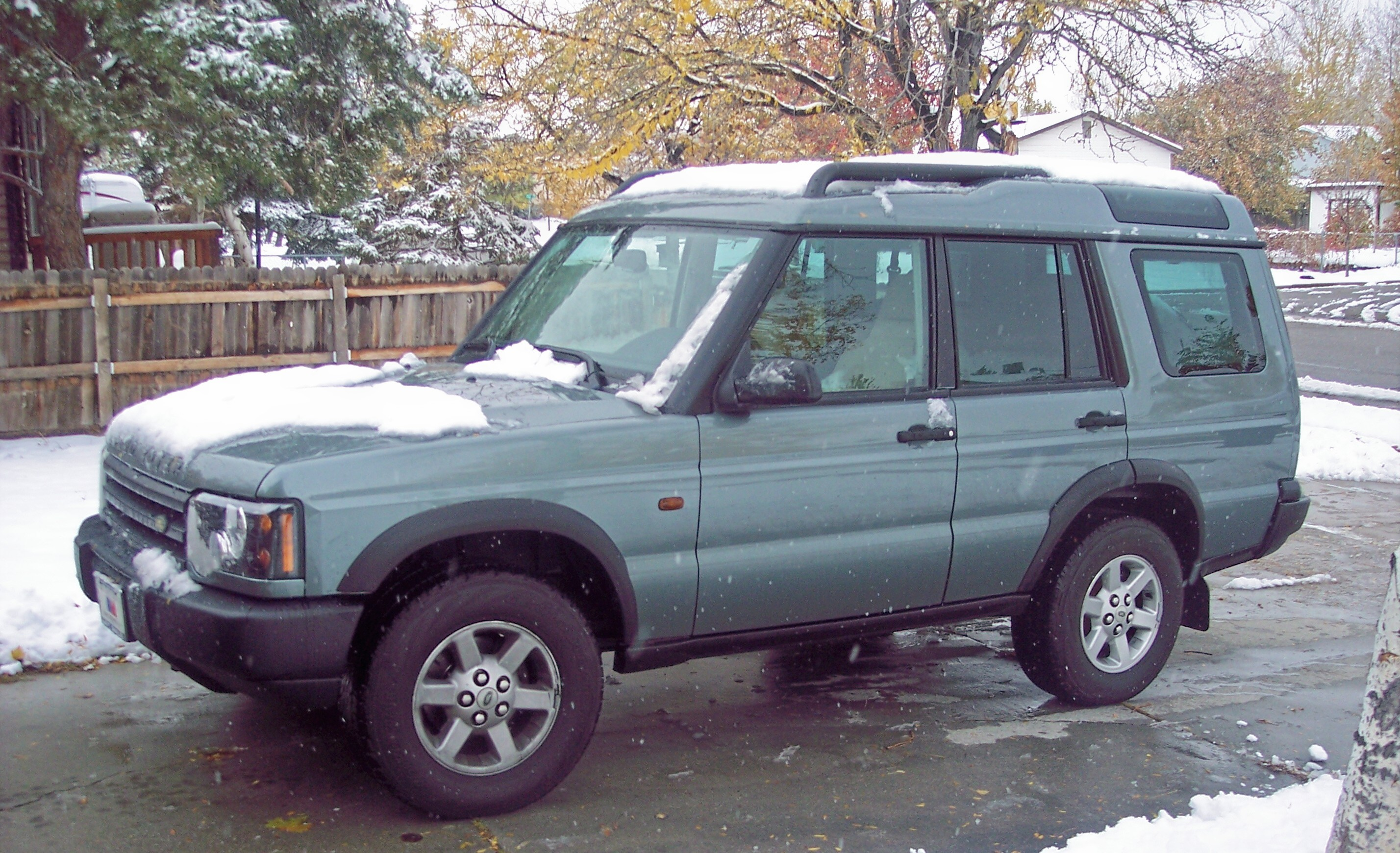 fvejr 2004 land rover discovery specs photos modification info at cardomain. Black Bedroom Furniture Sets. Home Design Ideas