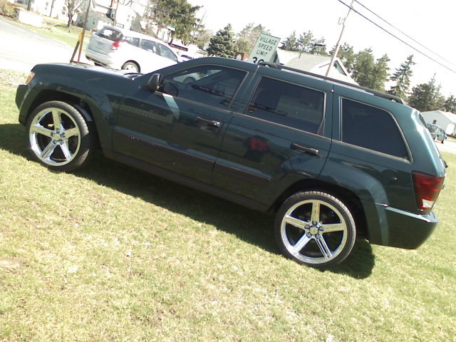 DoubleDuceGal's 2005 Jeep Grand Cherokee