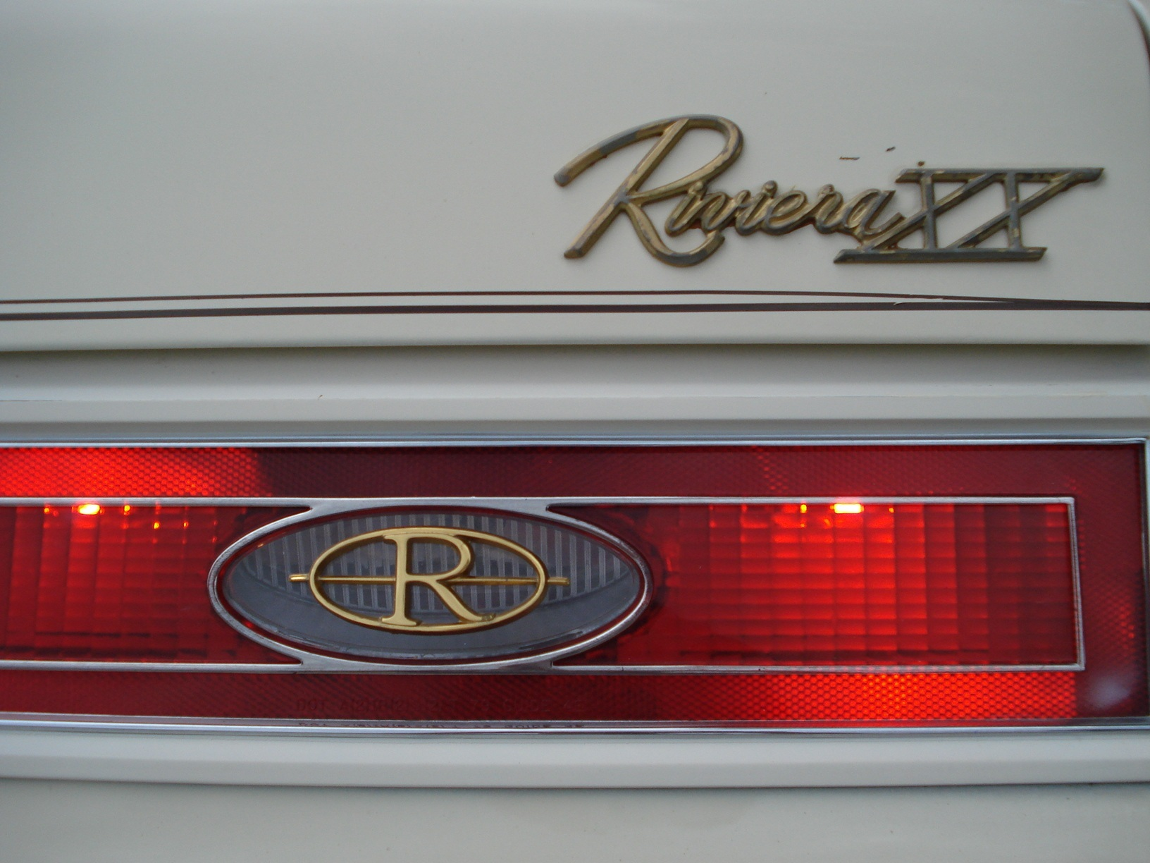 Another sosuzguy 1983 Buick Riviera post... - 12966327