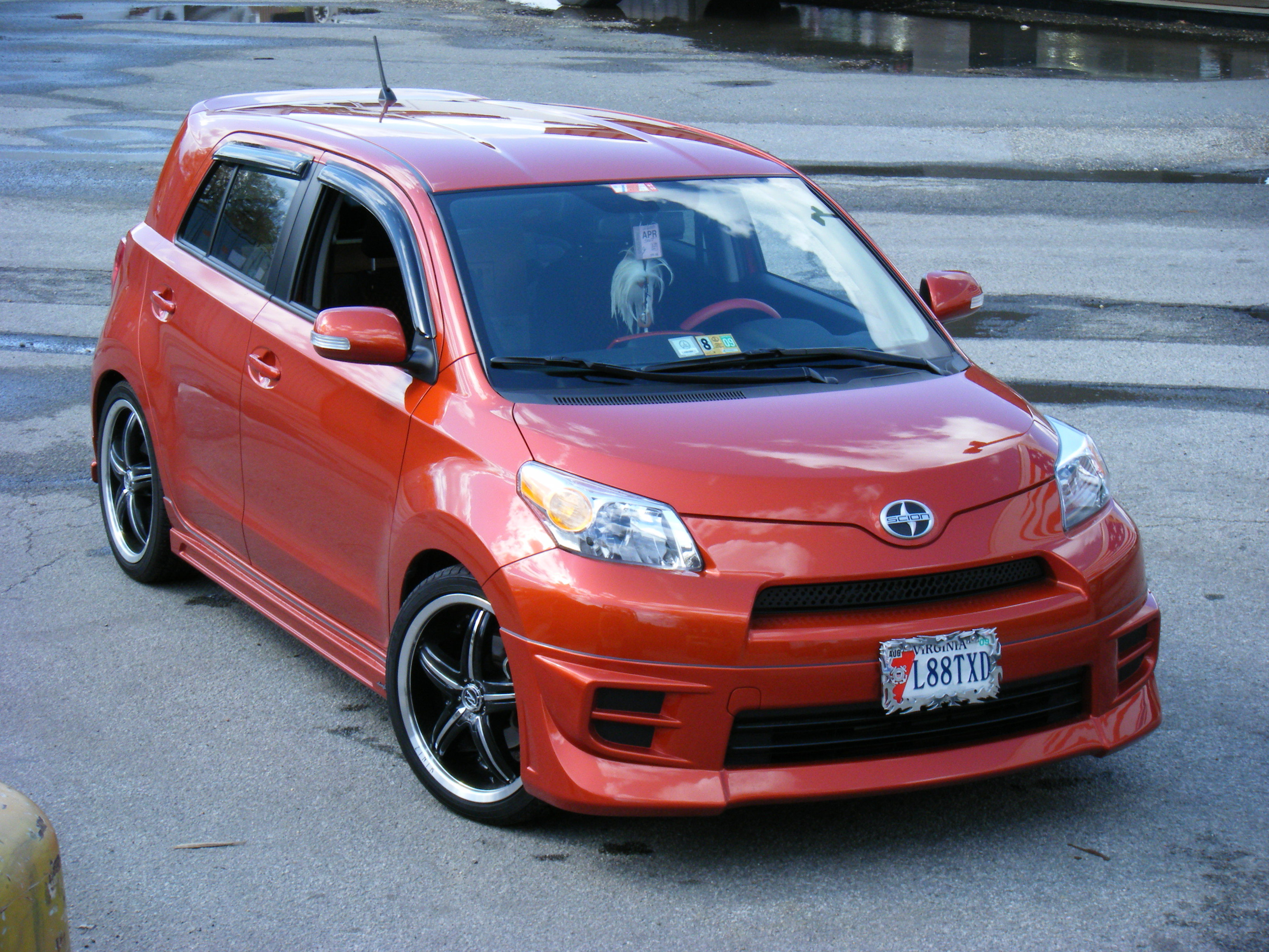 th0rr30's 2008 Scion xD