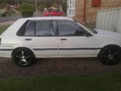 cleansweper 1990 Nissan Pulsar